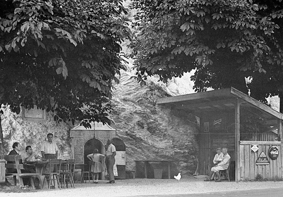 Mineralwasser Quelle Sauerbrunn Prutz
