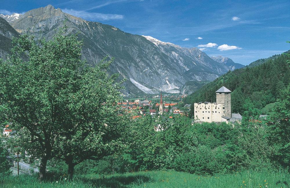 Schloss Landeck, Foto Albin Niederstrasser