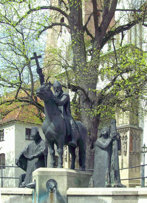 Statuen vor dem Augsburger Dom, Die Heiligen in Spätantike und Frühmittelalter