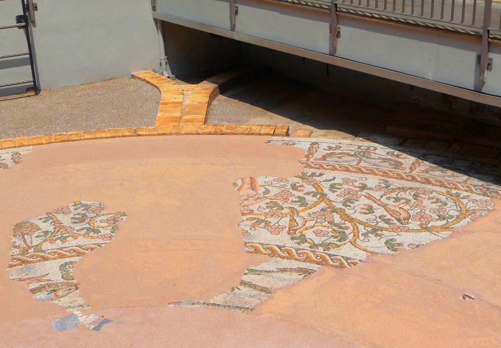 Mosaico Via Canoniche