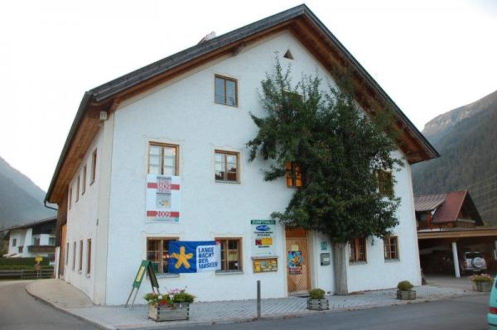 Luogo d'incontro culturale nella casa di gilda a Bichlbach