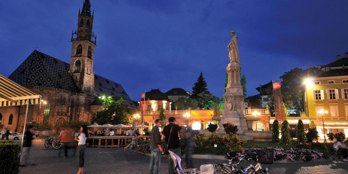 Bozen Stimmung Abend Waltherplatz