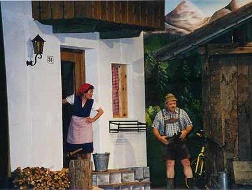 Bühne Kastebell Tschars