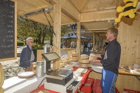 Auf dem Bauermarkt in Algund bei Meran