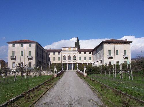 Villa Monga 17 Jh
