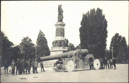 Preda di guerra piazza Dante