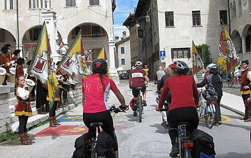 Touren-Radfahrer in Feltre