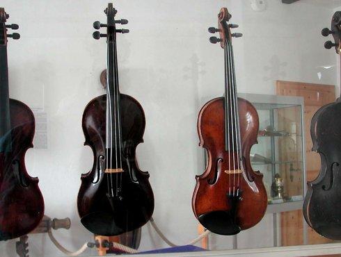 Costruzione di strumenti e musica