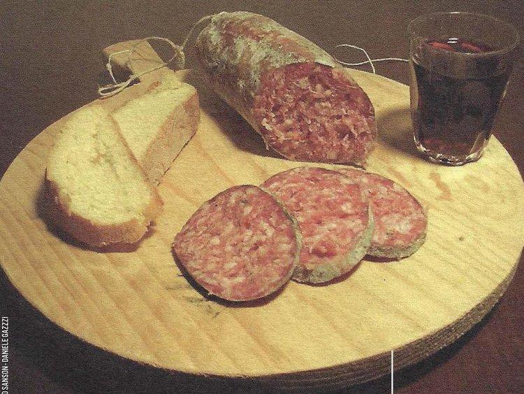 Besondere Lebensmittel Wurst und Brot