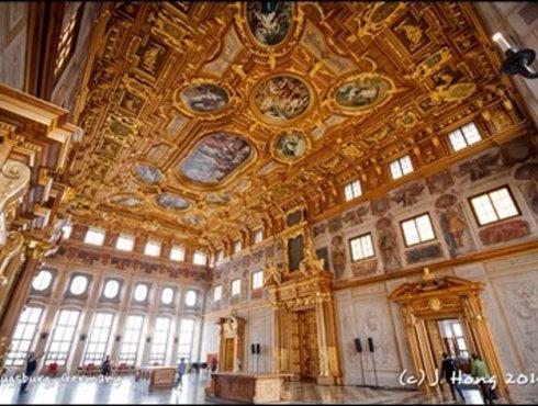 Goldener Saal in der Stadthalle
