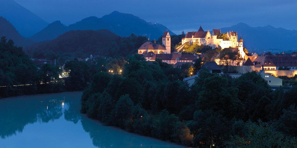Der Lech und die berge bei Nacht in Füssen