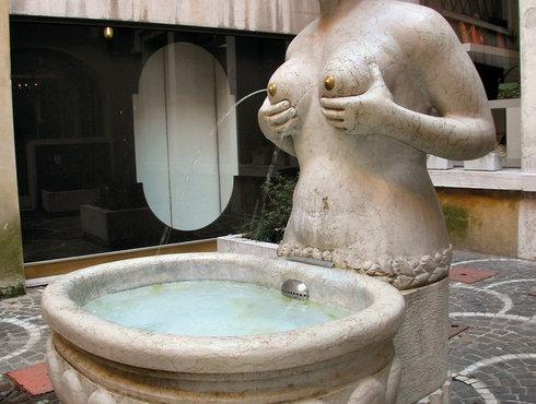 Treviso La Fontane Delle Tette