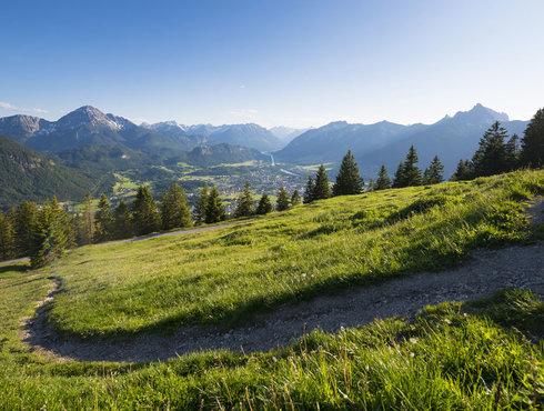 Sommer Herbst Bergweg Tal