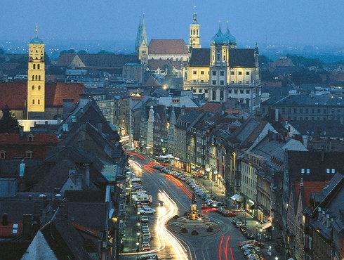 Augsburg bei Nacht, Maxstraße, Foto Regio Augsburg