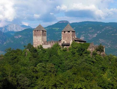 Burg Lana