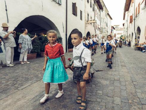 Kinder Laubenfest Umzug