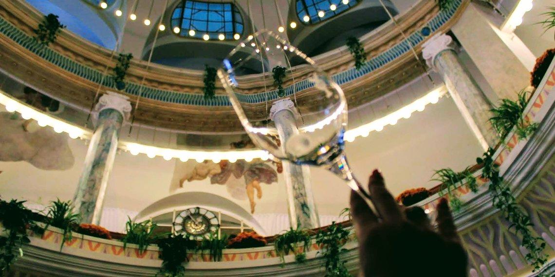 Weinglas Verkostung Ausflaggung Foto Merano Wine Festival
