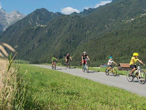 Tiroler Oberland Radler Familie