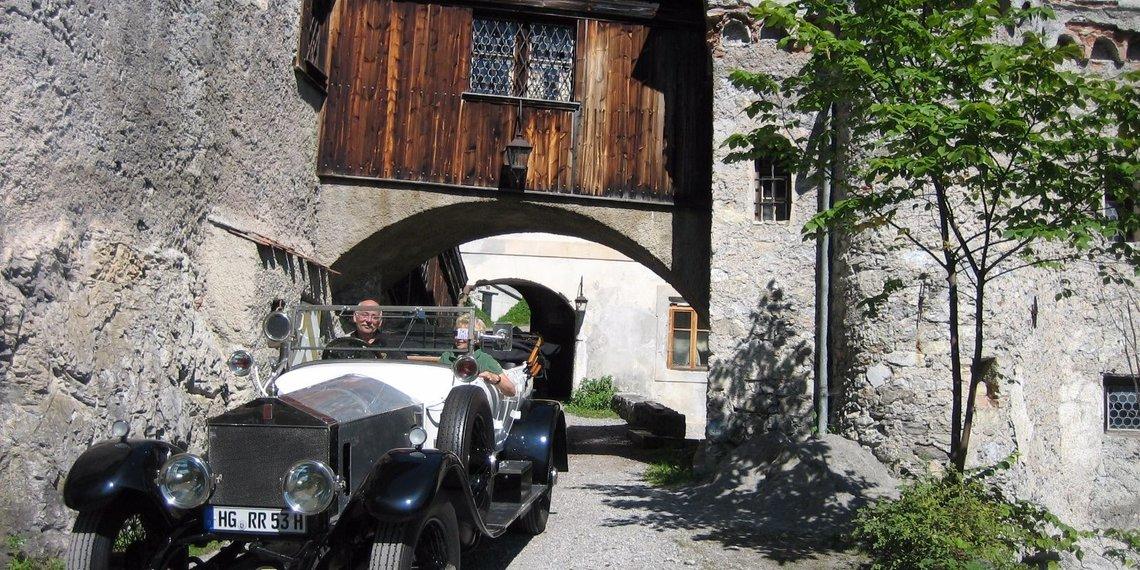 Oldtimer Schloss Fernstein