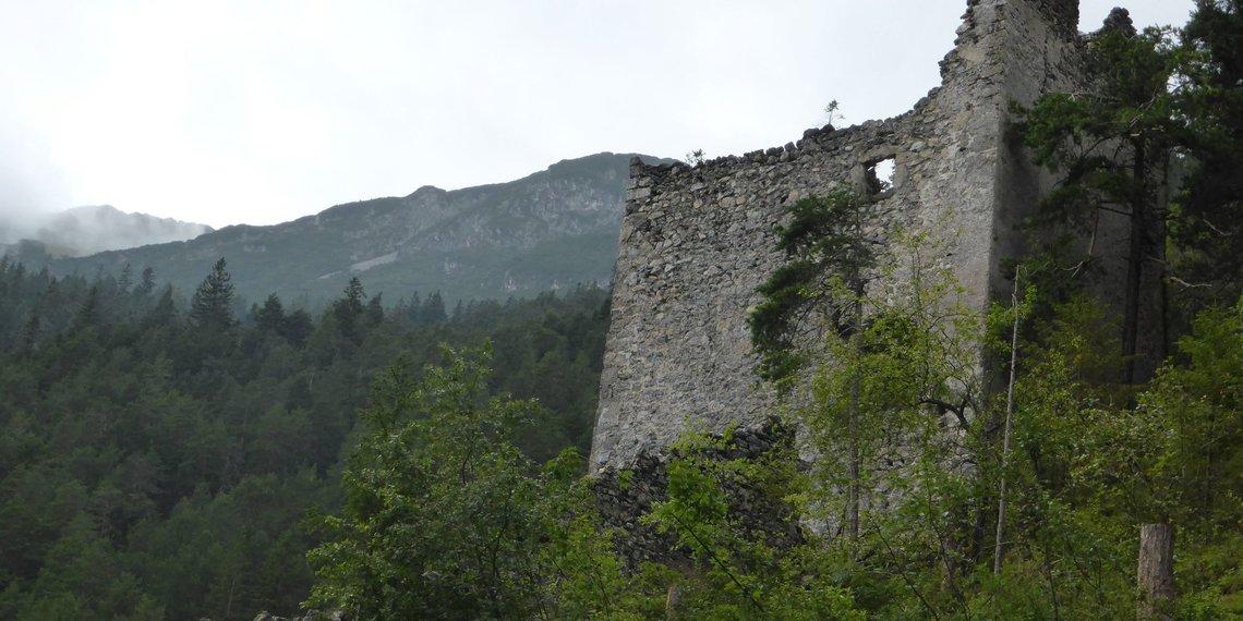 Schloss Fernstein Ehemaliger Wehrturm Foto Wikipedia Lukyprof