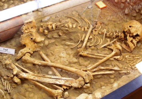 Königsbrunn Skelett Glockenbecherzeit 2100 v Chr Platschka