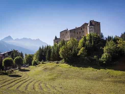 Nauders am Reschenpass Schloss burg Naudersberg, Foto Daniel Zangerl