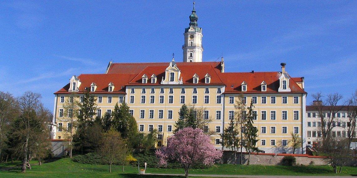 Das Kloster Heilig Kreuz