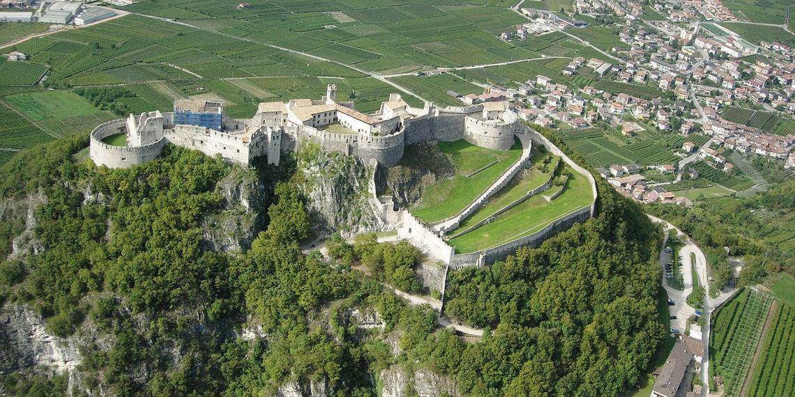 Castello Beseno Vallagarina Etschtal Valle Del Adige Trentino