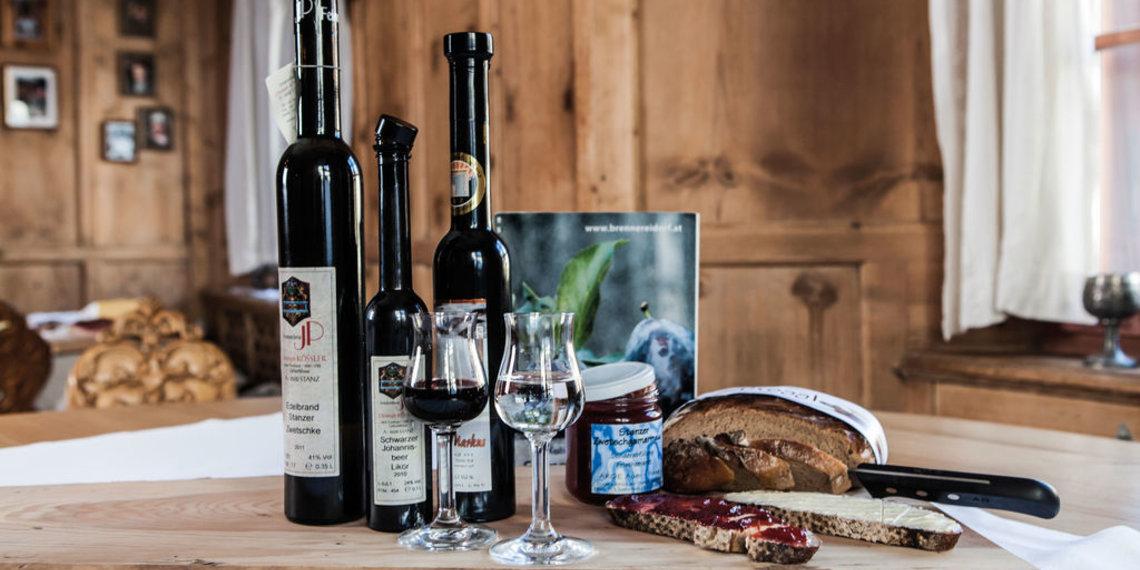 Schnaps, Likör, Brot, Marmelade, Genussregion Tirol West