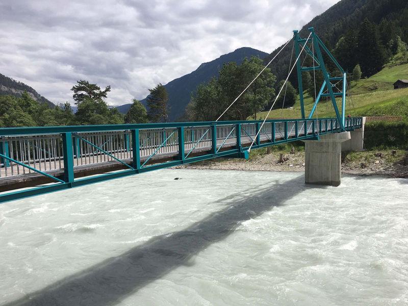 nur Brücke